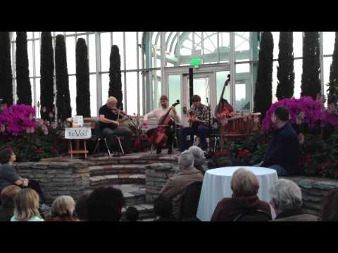 treVeld - Music Under Glass - performing Falling