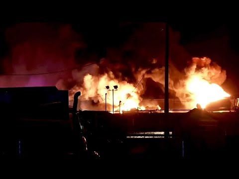 Gas tanker explodes on Utah freeway in US