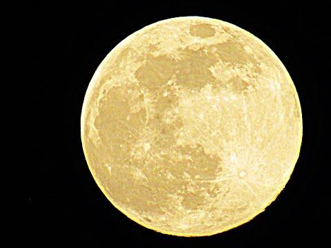Луна приблизилась максимально к Земле 2020