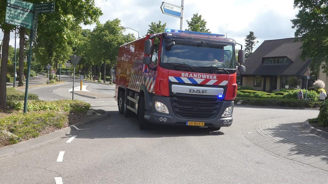 P1 Brandweer WT 21-3561 Schijndel met spoed naar autobrand in Sint-oedenrode