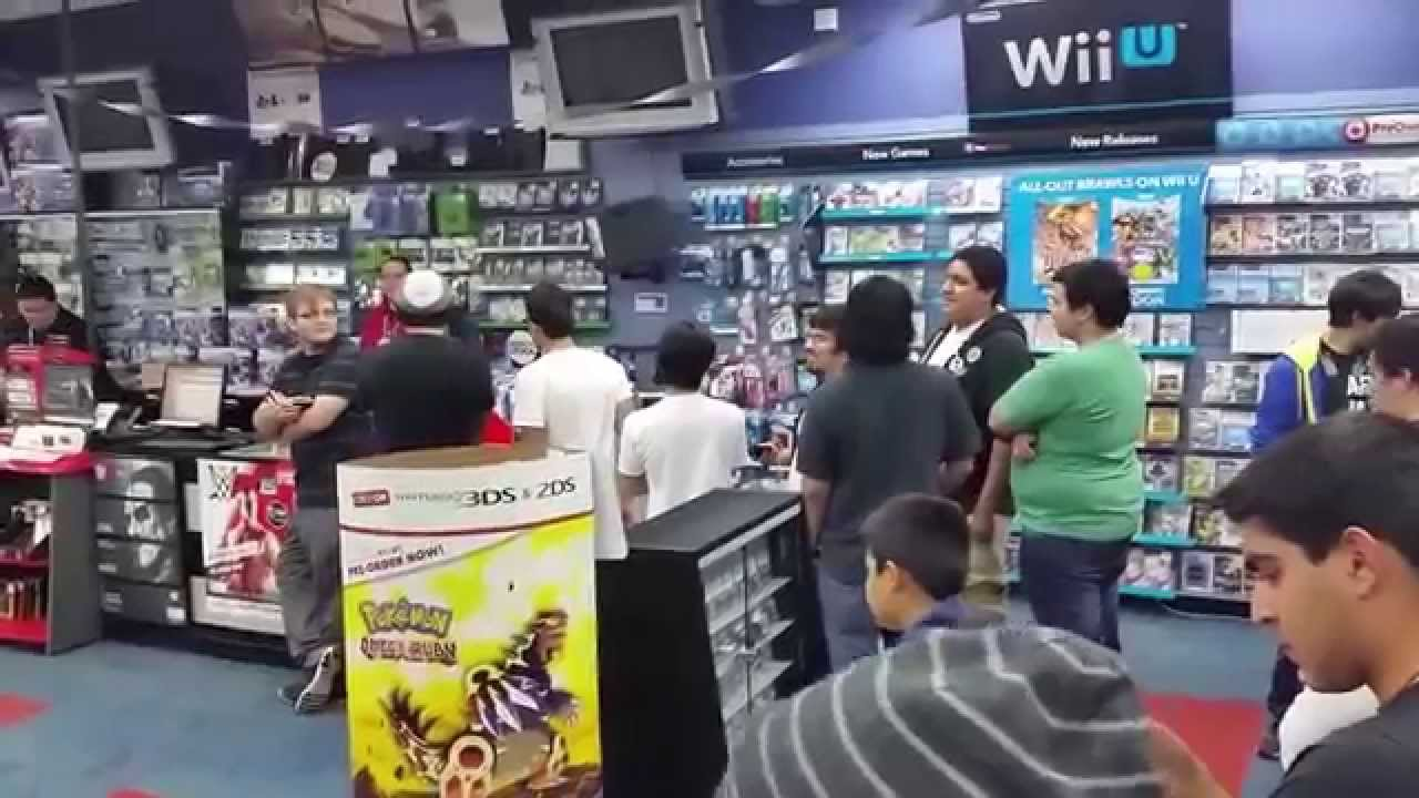 Super Smash Bros 3ds Gamestop Midnight Release 10 3 14