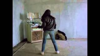 Beekeeper (1986) dancing scene Ο Μελισσοκόμος