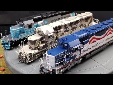 Product Demo: Athearn HO RTR SD40-2 DCC/Sound Desert Victory, United Way, Maersk Sealand!