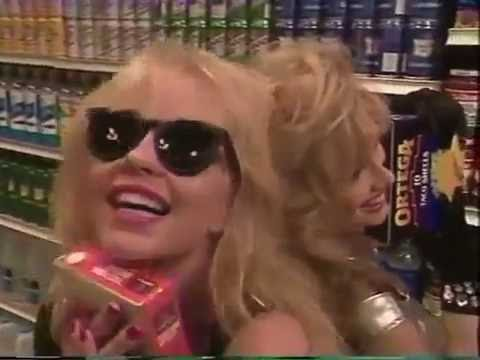 USA Up All Night 92 19 Linnea Quigley and Rhonda Shear go Shopping