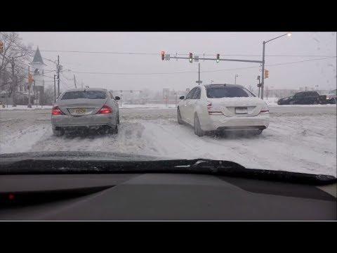 Mercedes 4Matic vs. Audi Quattro - Winter Time ❄️😂