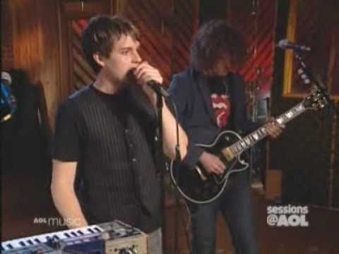 The Killers - Somebody Told Me (AOL Sessions 2004)