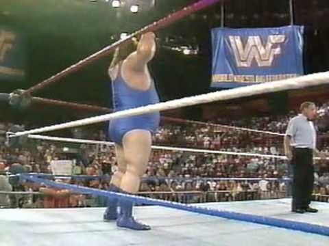 Earthquake vs Hacksaw Jim Duggan At Summerslam Fever 1990