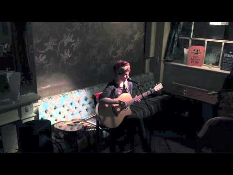 Early in the Night — Sell By Date Live @ The Apple Tree, Clerkenwell