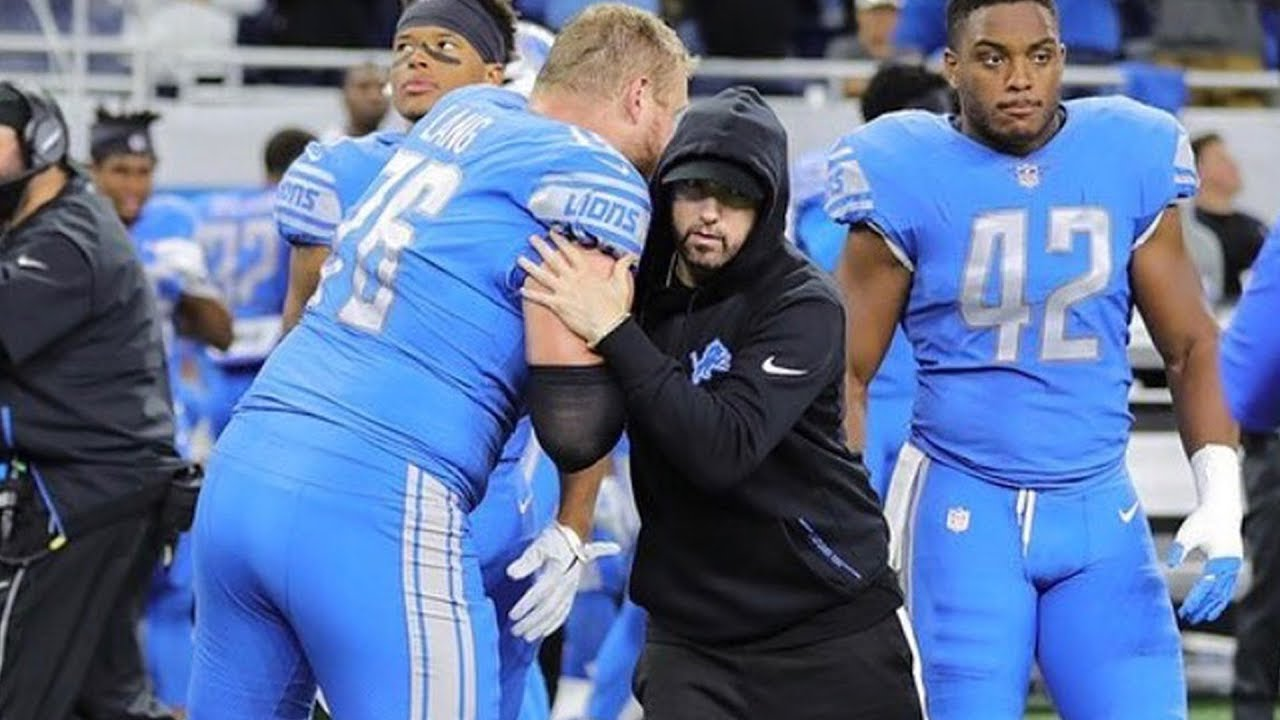 buy popular 9a89c f55ef Eminem joined the Detroit Lions as the honorary captain for the Monday  Night Football coin toss