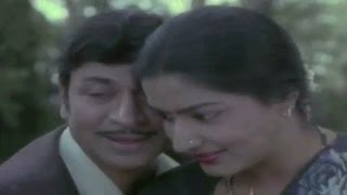 Download Hindi Video Songs - Love Song Of Dr Rajkumar & Gayathri : Baale Prema Geethe
