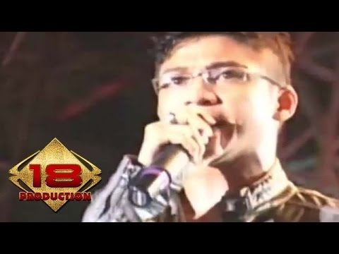 UNGU - Ciuman Pertama (Live Konser Medan 08 Mei 2010)