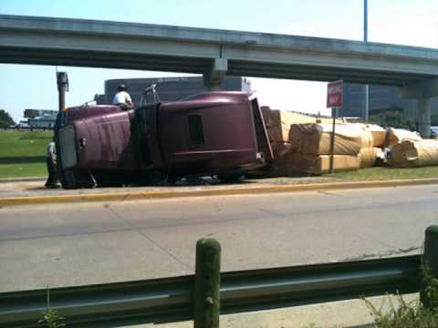 Flatbed Truck Wrecks, Crashes, Semi Truck Accidents