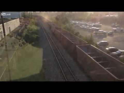 Сход вагона во время движения поезда