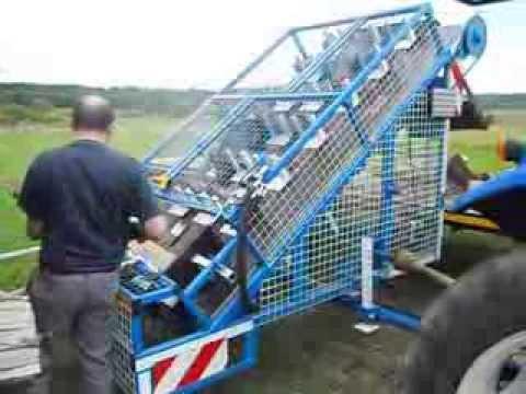 Scie circulaire automatique pour bois de chauffage avec for Chauffage bois pour piscine