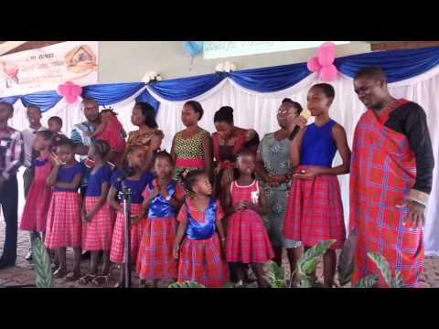 Nipe Biblia Nyota ya Furaha