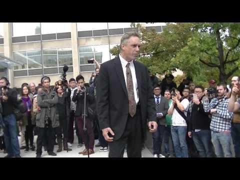Prof Jordan Peterson speaks at University of Toronto protest