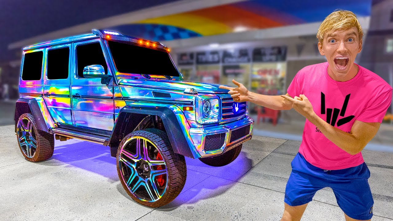 WOLRDS FIRST COLOR CHANGING CAR!! (Spy Wagon Wrap Revealed)
