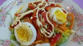 Салат из пекинской капусты с перцем кишит витаминами.