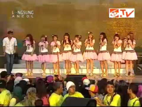 Ungu Feat Cherrybelle- Gangkelinci.mp4 You ( HUT DJAKARTA- SCTV 22 Juni 2012 )