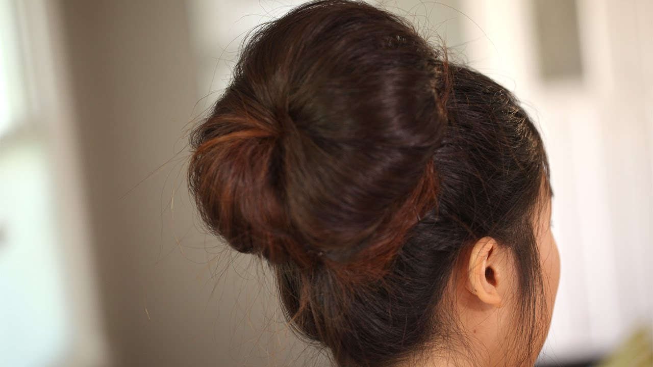 how to create the modern big bun kin beauty   youtube