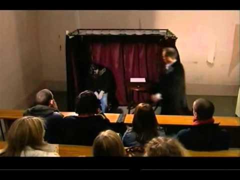 Derren Brown (The spirit cabinet!) - YouTube