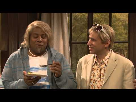 Saturday Night Live: The Californians - Fred Armisen laughing during skit
