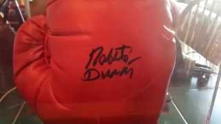 ROBERTO DURAN AUTOGRAPHED BOXING GLOVE