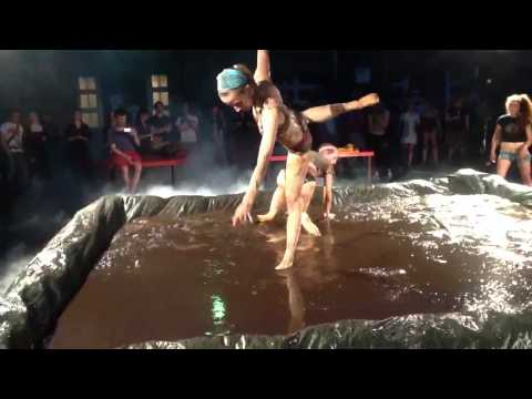 mud wrestling for meg @ HZT Berlin BA Festival, Berlin (uncut version)
