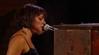 Norah Jones & Willie Nelson - Lonestar - Live at Miller Park Milwaukee 2010