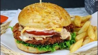 ঢাকার জনপ্রিয়- নাগা চিকেন বার্গার | Bangladeshi Naga Burger | Naga Chicken Burger | Naga Burger