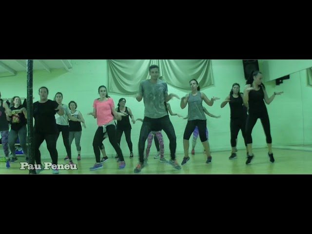 Santa´s coming for us - Sia - Pau Peneu Dance Fitness