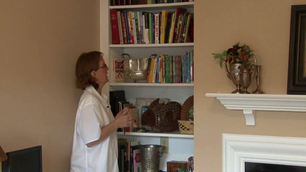 Home Decorating Basics : Decorating a Bookcase - YouTube