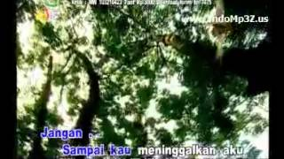 ST12 - Aku Masih Sayang (Karaoke Version)