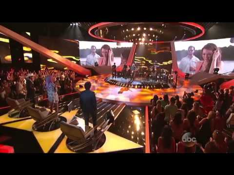 Rising Star - Brad Paisley Sings New Single 'River Bank'