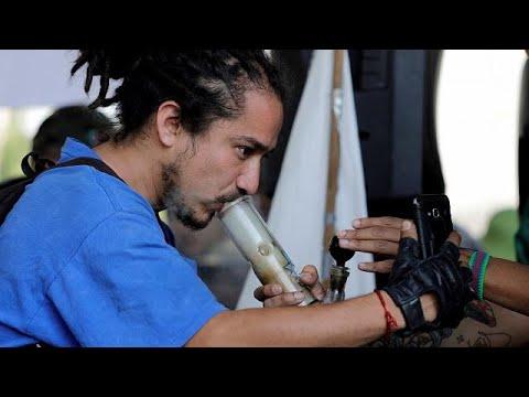 شاهد: شباب في المكسيك يحتفلون باليوم العالمي للماريجوانا  - نشر قبل 10 دقيقة