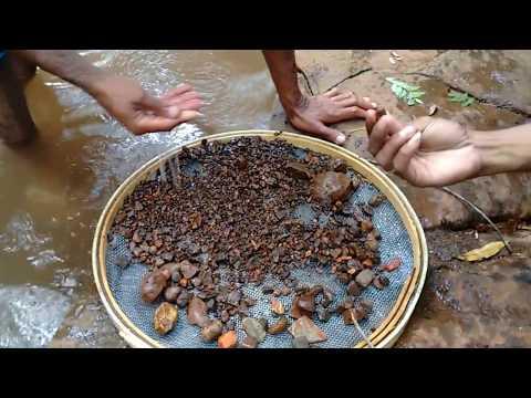 Procurando pedras preciosas