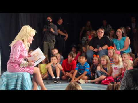 Dolly Parton Reads Coat of Many Colors Book to Kids