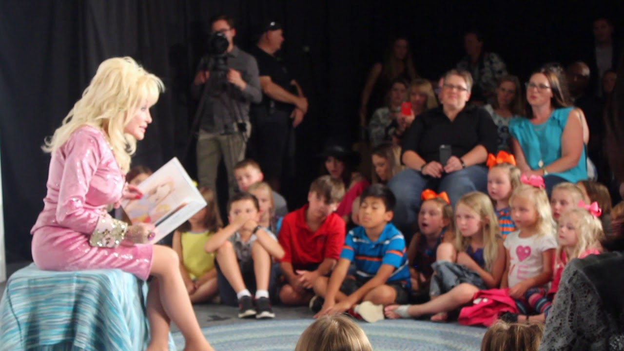 dolly parton reads coat of many colors book to kids - Dolly Parton Coat Of Many Colors Book