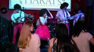 Disco Family - Stayin alive (Bee gees cover)