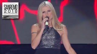 Sanremo 2018 - Michelle Hunziker  canta