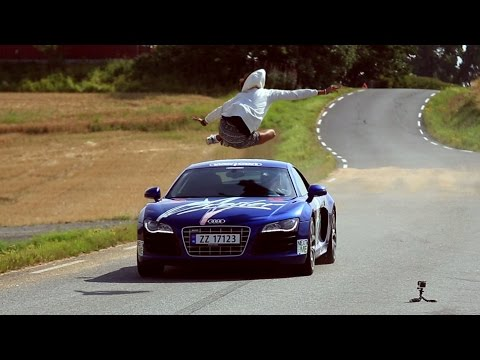 AUDI R8 JUMP // (Original Video)