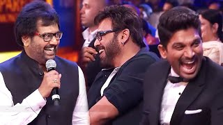 Venkatesh And Allu Arjun Enjoying Vivek's Comedy