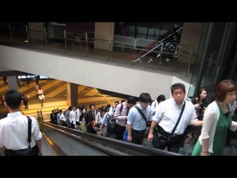 People in Japan are so orderly and polite!