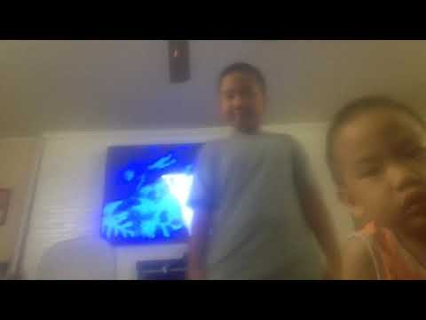 Dancin to a Ringtone remix