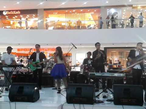 Hanin dhiya- I surrender AT Cibinong City Mall