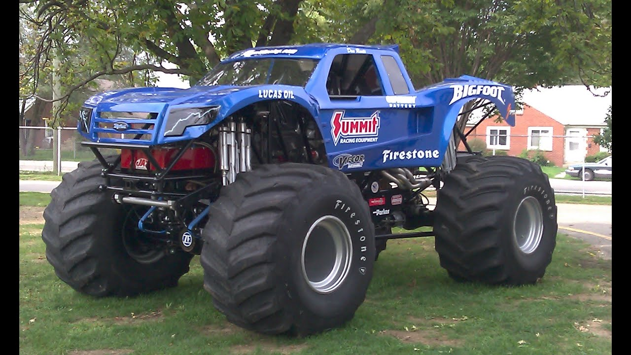 Bigfoot World Record Monster Truck Jump Youtube