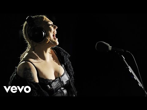 Elle King - Ex's & Oh's In The Live Lounge