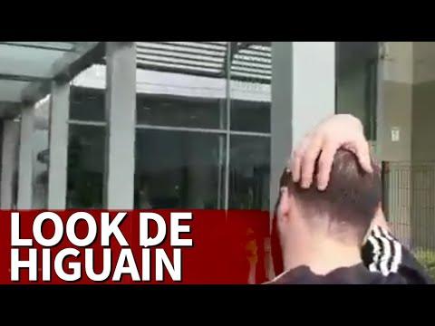 Revuelo en Twitter con el look de Higuaín a su llegada a Turín | Diario AS