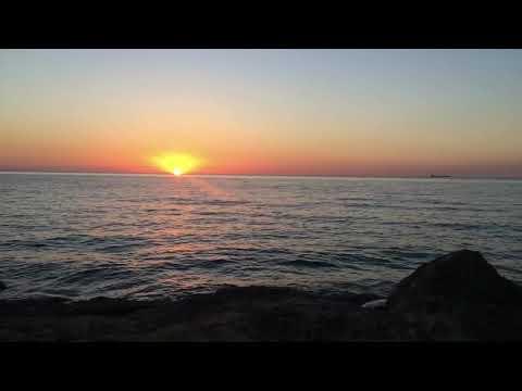الأرض المسطحة - الشمس تبتعد ولا تنزل