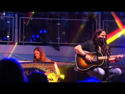 Steve Earle and Blackberry Smoke perform Willin' on the Outlaw Country Cruise